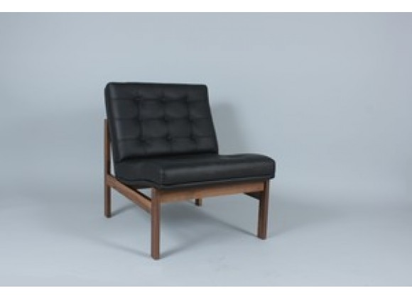 Stilnovo The Ellen Lounge Chair in Leather