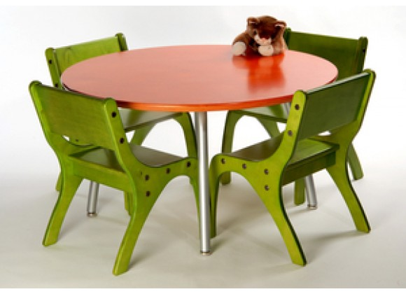 Knifty Kid's Table & Chairs