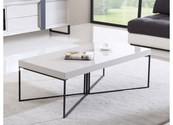 B-Modern Mixer Coffee Table with Black Steel Legs in White Lacquer, Cream Lacquer or Light Walnut Veneer