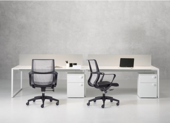 RAVI Mesh Back Uph. Seat Black/Grey/Red - Task/Conference Chair