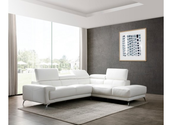 Fabiola Sectional With Chaise On Right - Lifestyle