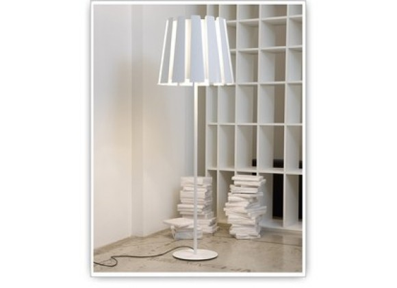 Tango Lighting Carpyen Twist Floor Lamp
